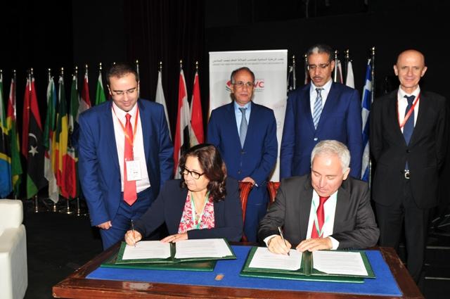 Signature d une convention pour la g n ralisation de la for Portnet maroc